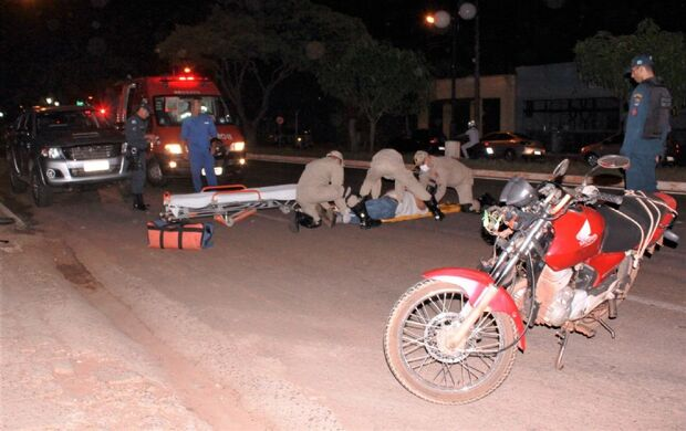 Idoso é atropelado ao descer de caminhonete em Nova Andradina