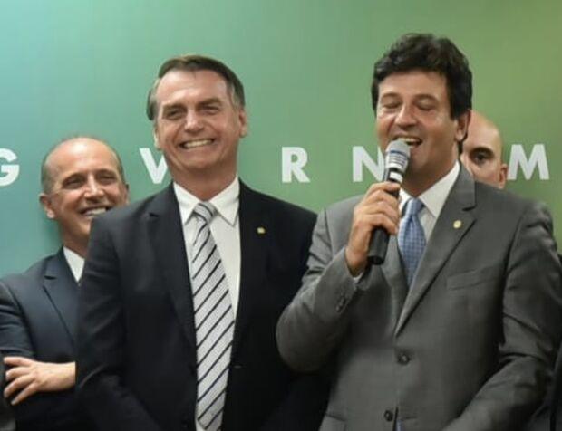 Pronunciamento de Bolsonaro sobre 'gripezinha' foi acordado com ministro Mandetta
