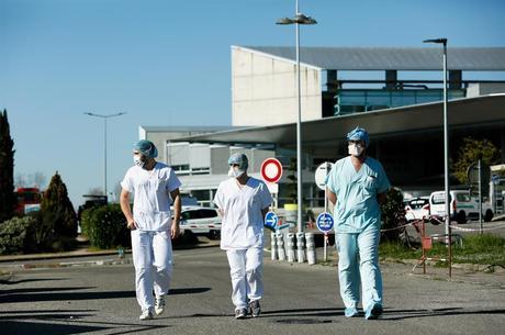 Mais de 100 mil pessoas já se recuperaram do coronavírus  no mundo