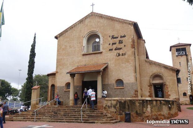 Com decisão de Bolsonaro, igrejas analisam possibilidade de reabrir em MS