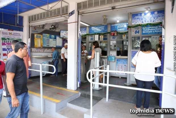 Bolsonaro inclui lotéricas como serviços essenciais