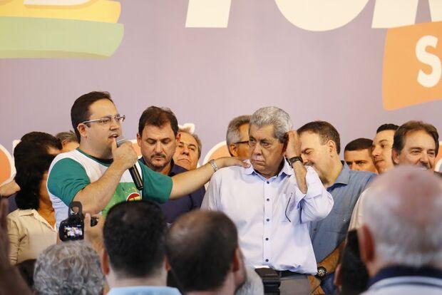 Puccinelli anuncia candidatura de Márcio Fernandes e ordena apoio