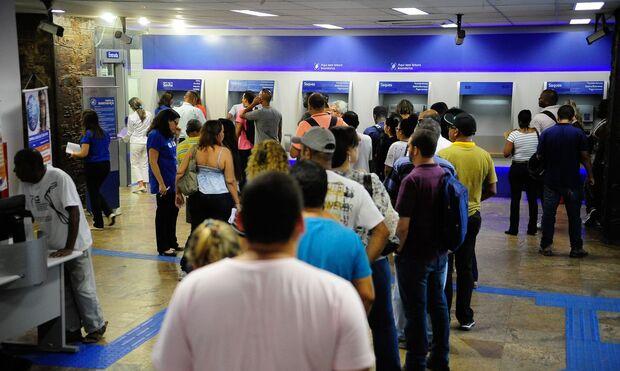 Governo acaba com programa PIS/PASEP e libera saque de R$ 1.045 do FGTS