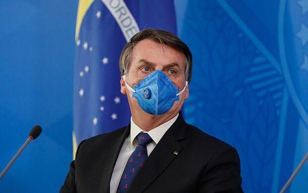 Juíza rejeita relatório e exige que Bolsonaro mostre resultado de exame da covid-19