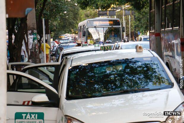 Irmã procura delegacia após taxista aceitar corrida e desaparecer em Campo Grande