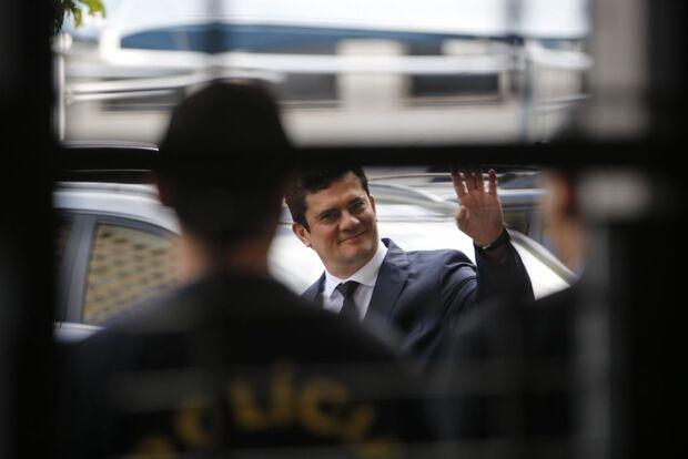 Governo republica demissão de Valeixo, dessa vez sem assinatura de Moro