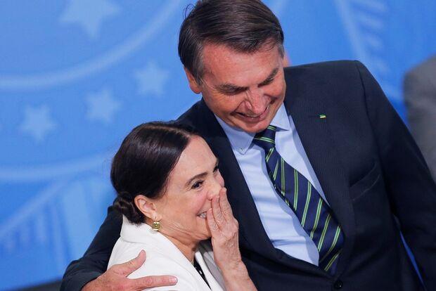 Regina Duarte deixa comando da secretaria de Cultura do governo, anuncia Bolsonaro