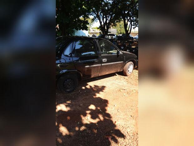 Polícia encontra sangue no carro de marido de jovem desaparecida