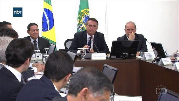Após divulgação 'forçada' de vídeo, Bolsonaro tem 55% em pesquisa Datafolha