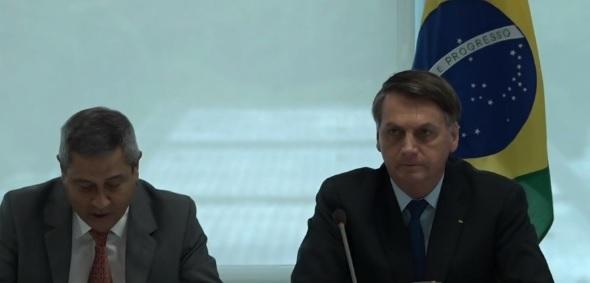 Bolsonaro diz: 'Dória e Witzel querem a minha hemorroida'