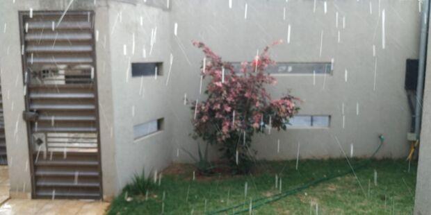 VÍDEO: antecedendo friozão, chuva começa a aparecer em alguns bairros
