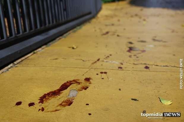 Homem é espancado e ferido com tesourada pela ex-mulher em Campo Grande