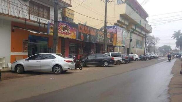 Comerciantes de Pedro Juan Caballero começam a fechar seus negócios devido à pandemia