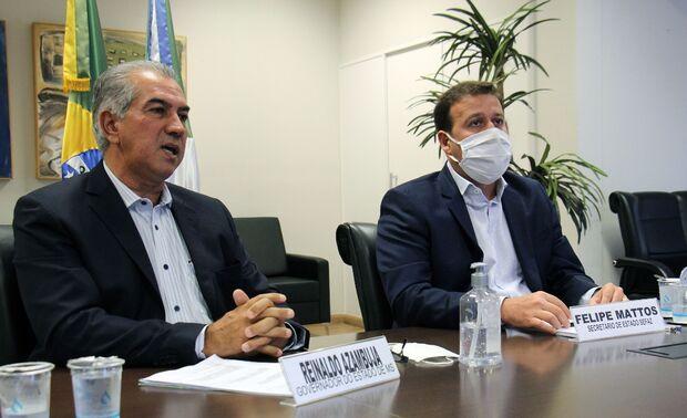Em momento de descontração, Azambuja convida Bolsonaro para visita a Nioaque