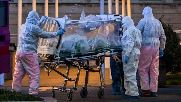 Brasil tem 965 novas mortes por COVID-19 e total passa de 22 mil