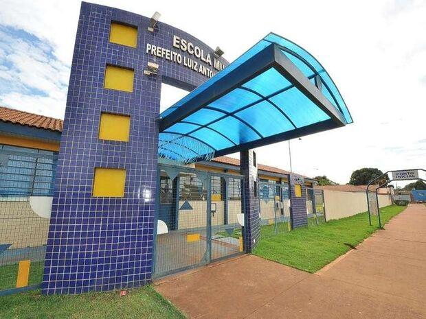 Sindicato vai à Justiça contra suspensão de contrato de professores em Dourados