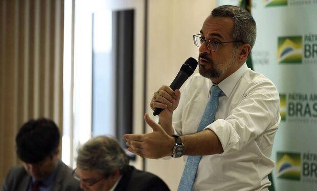 Senado obriga Weintraub a dar explicações sobre 'vagabundos do STF'