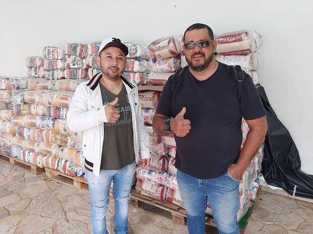 Encontro de partidos arrecada 7 toneladas de alimentos na Capital