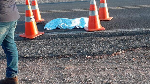 Menina de 7 anos corre para abraçar o pai e morre atropelada na BR-262
