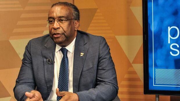 Ctrl C + Ctrl V: ministro de Bolsonaro não obteve pós-doutorado na Alemanha, diz universidade