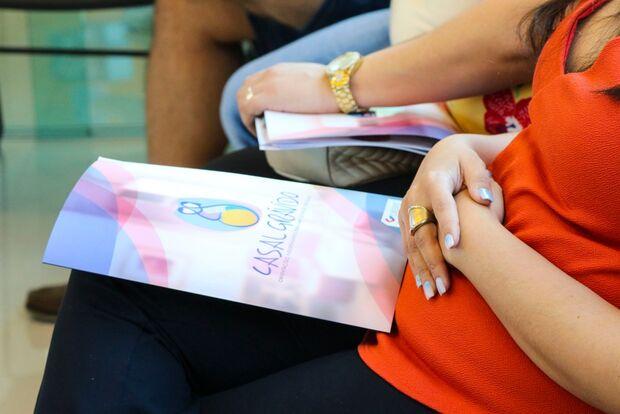 Programa de prevenção 'Casal Grávido' da Cassems volta on line