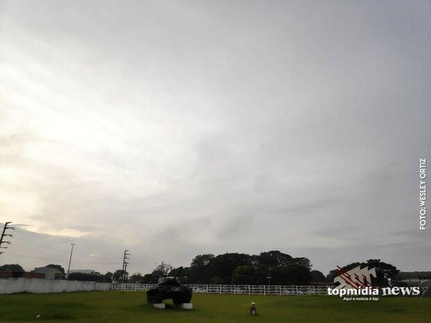 Meio a meio: sexta-feira terá sol e chuva em Campo Grande