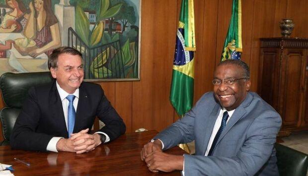 Reitor diz que novo ministro da Educação não tem título de doutorado na Argentina