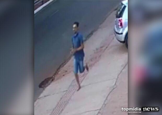 VÍDEO: envolvido em morte de policiais é flagrado fugindo após a execução