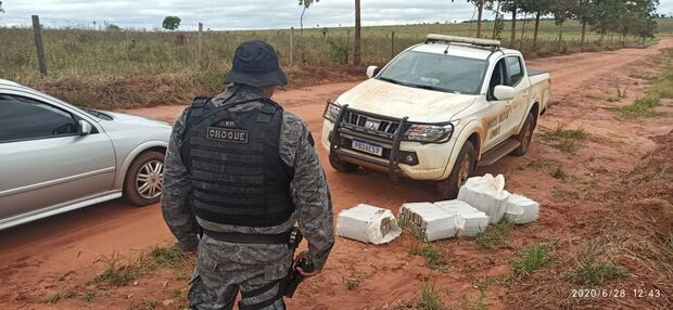 Jovem é preso transportando 130 kg de maconha