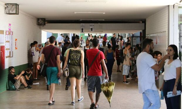 Fies oferece 30 mil vagas e abre inscrições nesta terça-feira