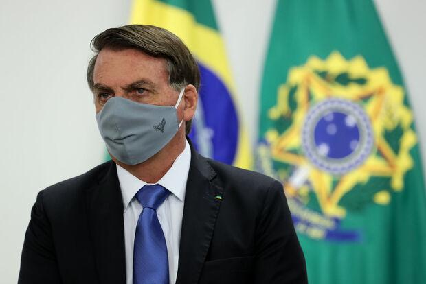 Bolsonaro aguarda resultado de exame do coronavírus