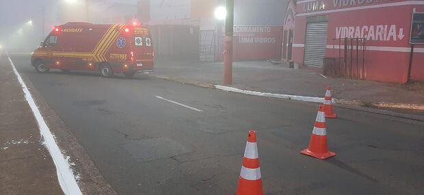 Loja pega fogo no Coronel Antonino; suspeita é que moradores de rua fizeram fogueira