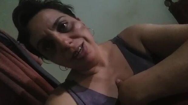 VÍDEO: atendente é agredida por ex-marido, expulsa de casa e pede ajuda para proteger animais
