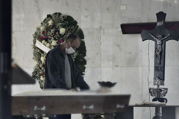 MORTES EM MASSA: Brasil tem 1.254 óbitos pela covid em 24 horas