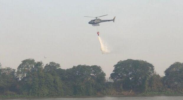 Marinha tenta conter incêndios no Pantanal e aciona aeronave da FAB