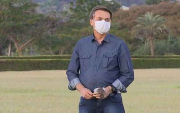 Ao falar sobre a covid-19, Bolsonaro dispara: 'tem medo do quê? Enfrenta'