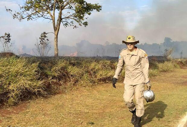 VÍDEO: é sufocante! Fogo se alastra na região do Itamaracá