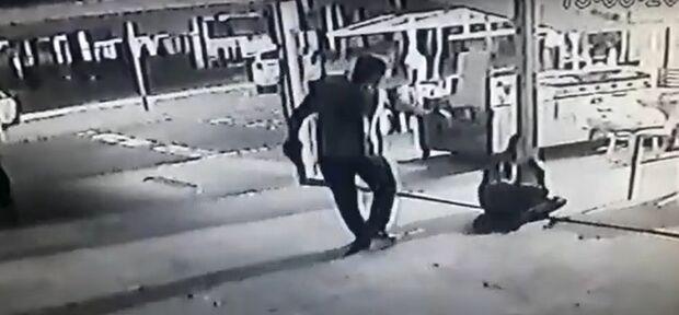 Vídeo mostra motoentregador sendo baleado na Mato Grosso