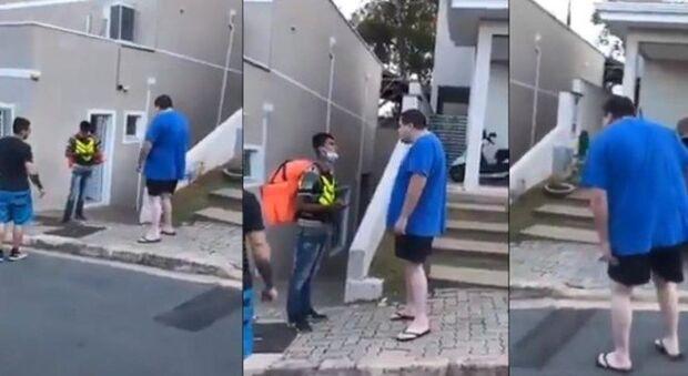 VÍDEO: Ifood 'expulsa' cliente que humilhou motoboy por ser pobre e negro