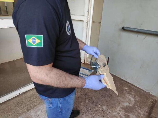 Pistoleiros invadem casa e tentam matar morador em Dourados