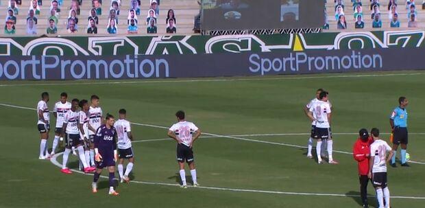 Dez jogadores pegam covid e jogo entre São Paulo e Goiás neste domingo é adiado
