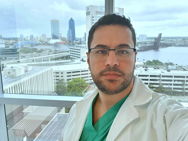 'Peguei a doença fazendo o que amo', disse médico antes de morrer de covid