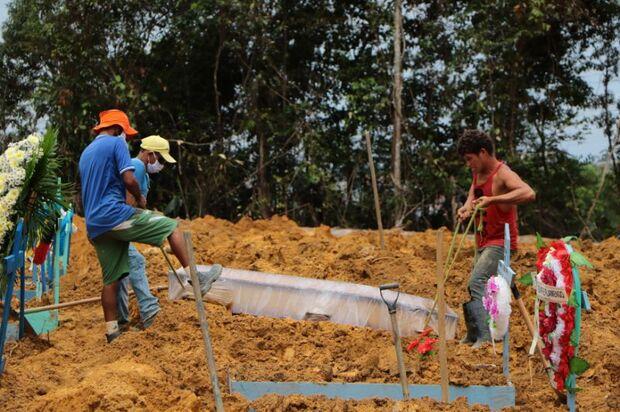 LAMENTÁVEL: Brasil está 'a dois dias' de chegar a 100 mil mortos pela covid