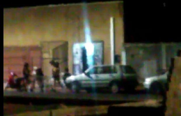 Rua dos Amigos vira sinônimo de bagunça, som alto até de madrugada e gente urinando na calçada
