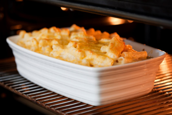 Pensando em ideias para o almoço? Veja essa receita deliciosa de macarrão de forno