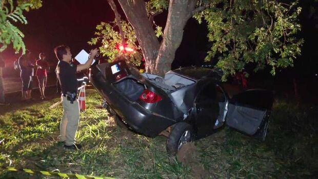 Comerciante morre em acidente após bater carro em árvore na MS-276