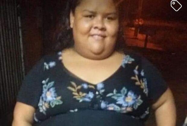 Com obesidade mórbida, Denise está sem casa e pede materiais para fazer barraco em Campo Grande