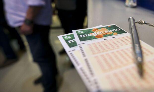 Dá tempo de fazer a fezinha: mega-sena pode pagar prêmio de R$ 95 milhões hoje