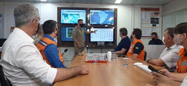 Secretário nacional está em MS para discutir soluções rápidas no combate à queimadas no Pantanal