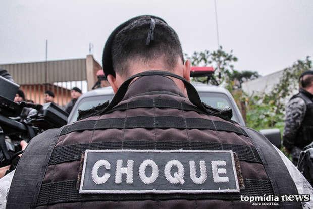 Choque prende pai e filho com 59 kg de maconha em carro em Campo Grande